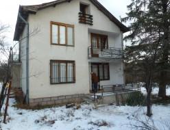 Продава Къща - село Радотина